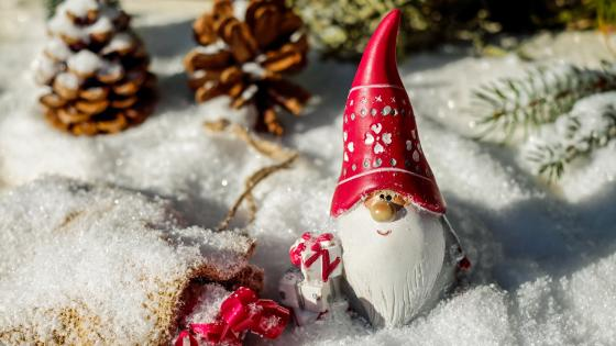 Santa Claus figure in the snow wallpaper