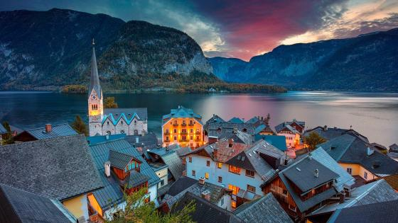 Hallstatt and Hallstattersee wallpaper