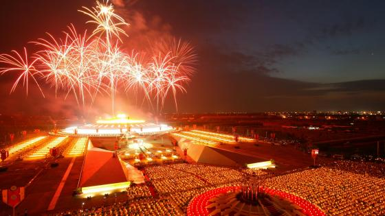 Fireworks at Wat Phra Dhammakaya Buddhist Temple in Thailand wallpaper