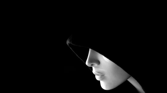 Anonymous woman wallpaper