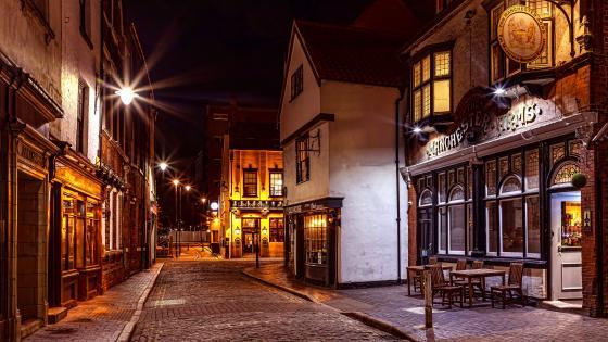 Kingston Upon Hull at night (England) wallpaper