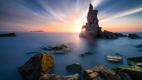 Sea stack rock formation at Dalian's coast wallpaper