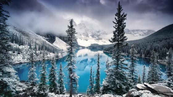 Moraine Lake at wintertime wallpaper