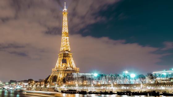 Eiffel Tower and Seine River wallpaper
