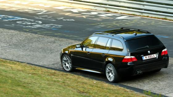 BMW 535d Touring am Nordschleife wallpaper