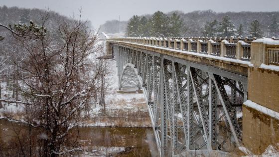 Cooley Bridge in wintertime wallpaper