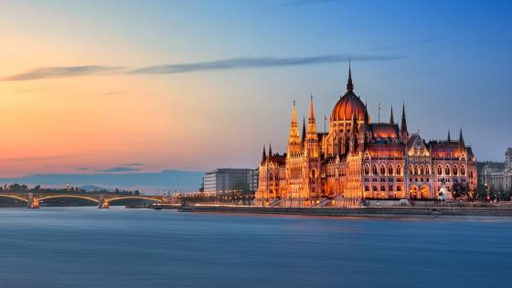 Hungarian Parliament Building (Budapest) wallpaper