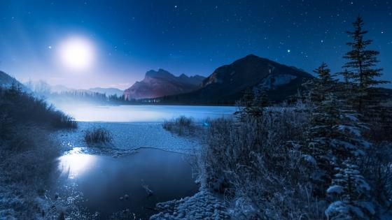 Starry winter night above Vermilion Lakes wallpaper