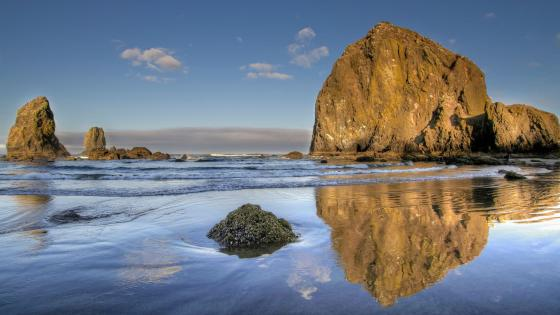 Haystack Rock wallpaper