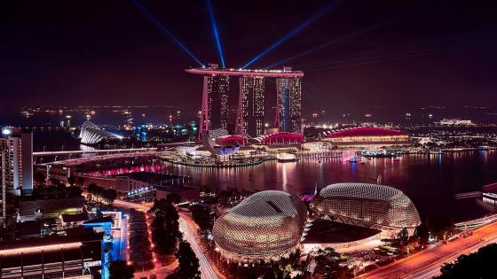 Marina Bay Sands at night (Singapore) wallpaper