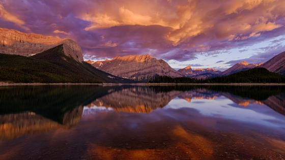 Upper Kananaskis Lake at sunrise (Alberta, Canada) wallpaper