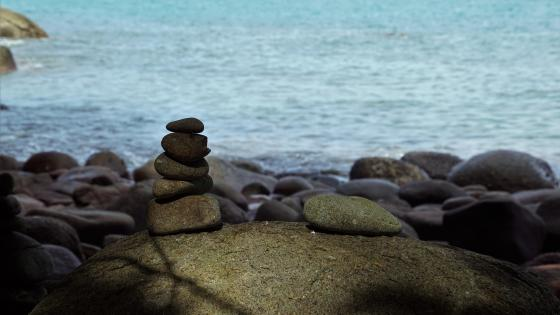 Rock balancing wallpaper