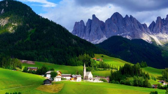 Santa Maddalena, Funes valley wallpaper