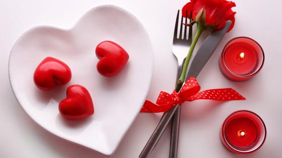 Valentine's day tableware wallpaper