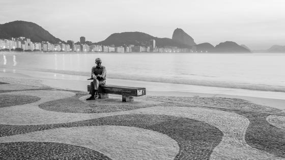 Carlos Drummond de Andrade Statue (Rio de Janeiro) wallpaper