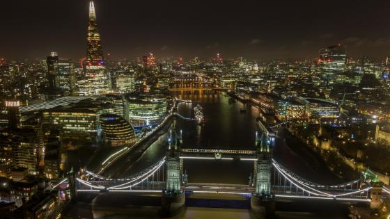 Night skyline of London wallpaper