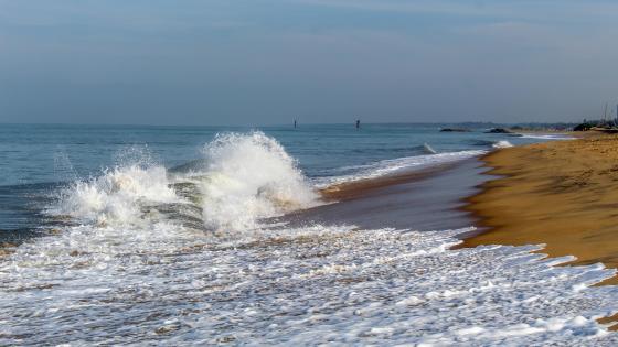 Sea Waves wallpaper