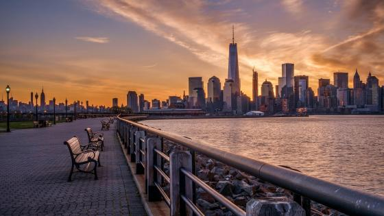 Manhattan from the bank of the Hudson River wallpaper