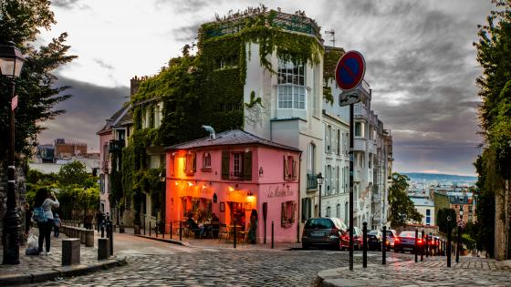 La Maison Rose resturant in Paris wallpaper
