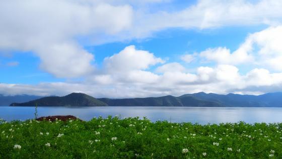 Lugu Lake wallpaper