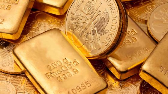 Gold bullion and coins wallpaper