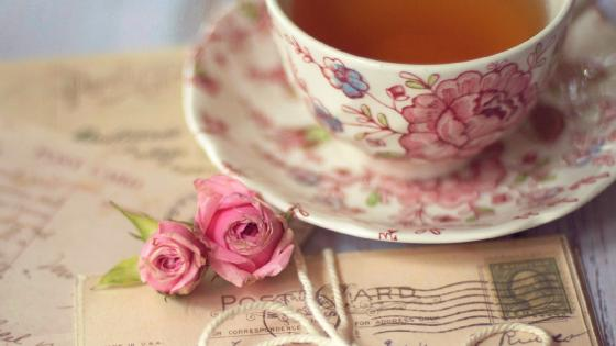 Vintege romantic tea cup wallpaper
