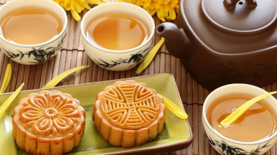 Mooncake with tea wallpaper