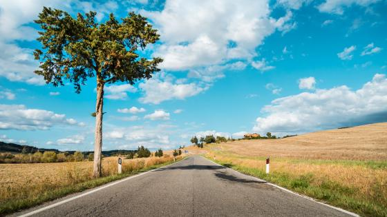 Tuscany road trip wallpaper