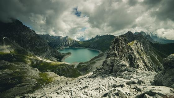 Hidden lake in the mountains wallpaper