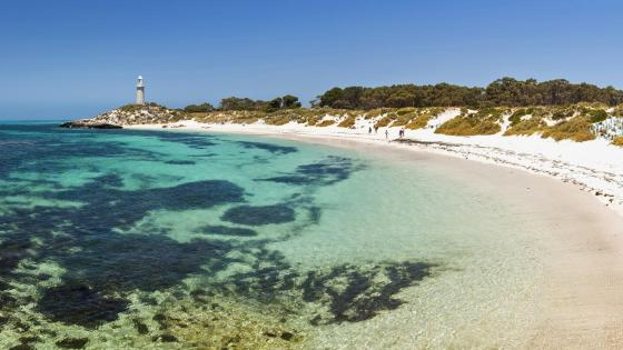 Bathurst Lighthouse from Pinky Beach (Rottnest Island, Western Australia) wallpaper