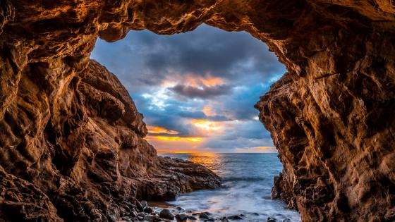 El Matador State Beach sea cave wallpaper