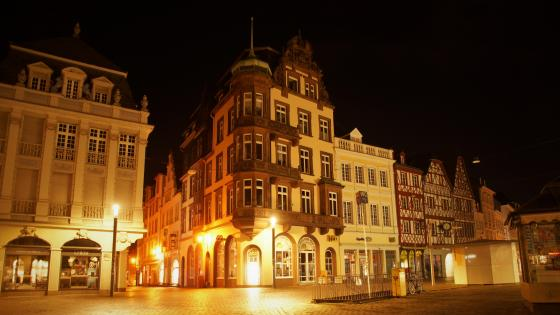Trier at night wallpaper