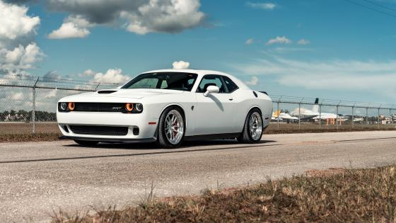 2016 Dodge Challenger SRT Hellcat wallpaper