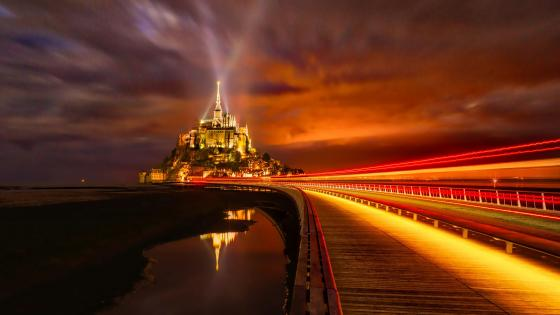 Mont Saint-Michel at night wallpaper