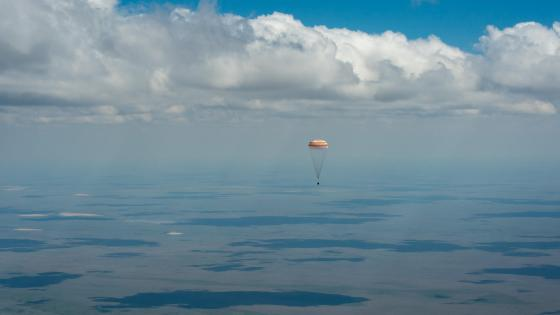 Soyuz TMA-19M Landing with Expedition 47 wallpaper