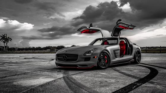 Mercedes-Benz SLS AMG gullwing doors wallpaper