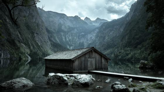 Boathouse on Obersee Lake wallpaper