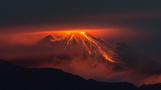 Volcanic eruption with lava wallpaper