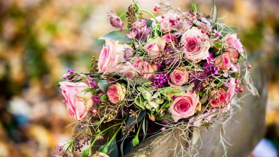 Pink bouquet wallpaper