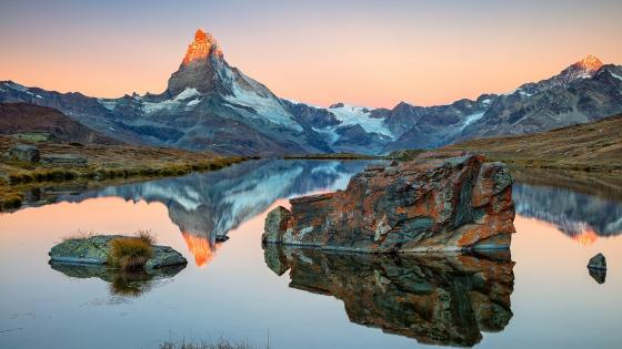 Stellisee reflected the Matterhorn wallpaper