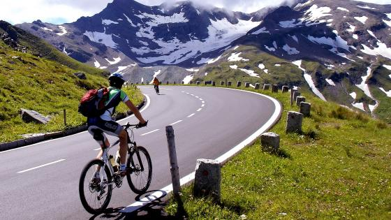 Bicycle Meeting Between The Mountains wallpaper