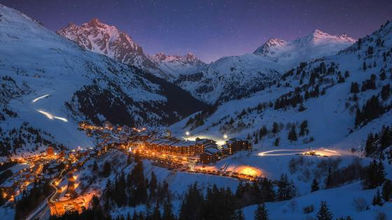 Meribel on a starry night wallpaper