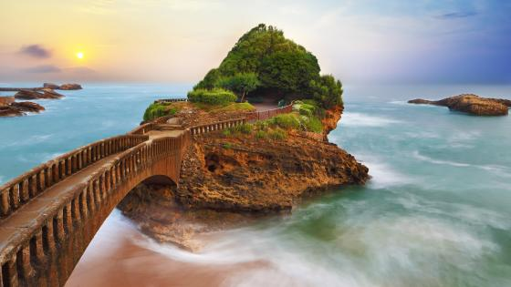 The basta rock, Biarritz, France wallpaper