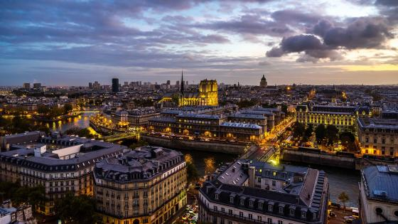 River Seine in Paris wallpaper