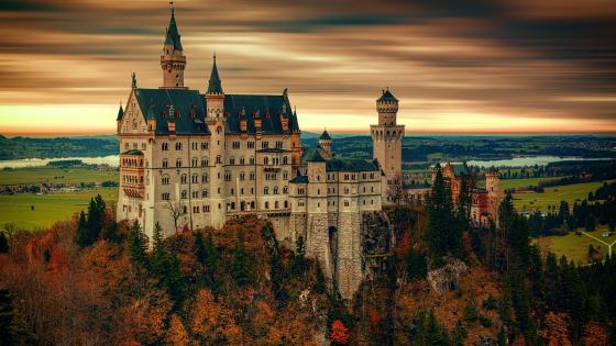 Neuschwanstein Castle at fall wallpaper