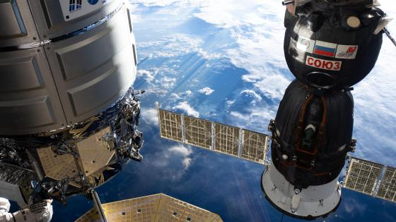 The Cygnus Space Freighter and the Soyuz MS-12 Crew Ship wallpaper