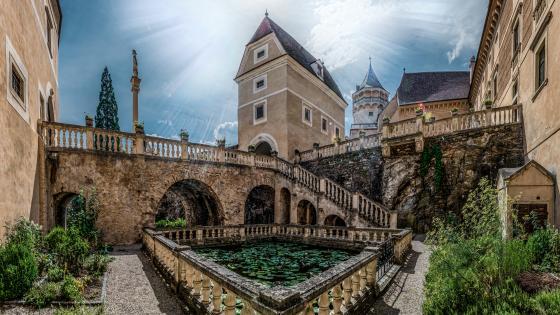 Rosenburg Castle courtyard (Austria) wallpaper
