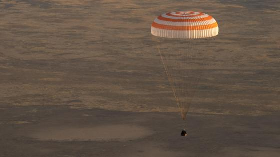 Expedition 52 Soyuz MS-04 Landing wallpaper