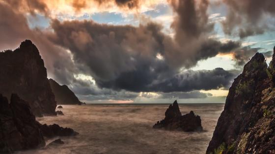 Motukiekie sea stack (New Zealand wallpaper
