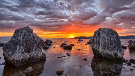 Cloudy sunset seascape wallpaper